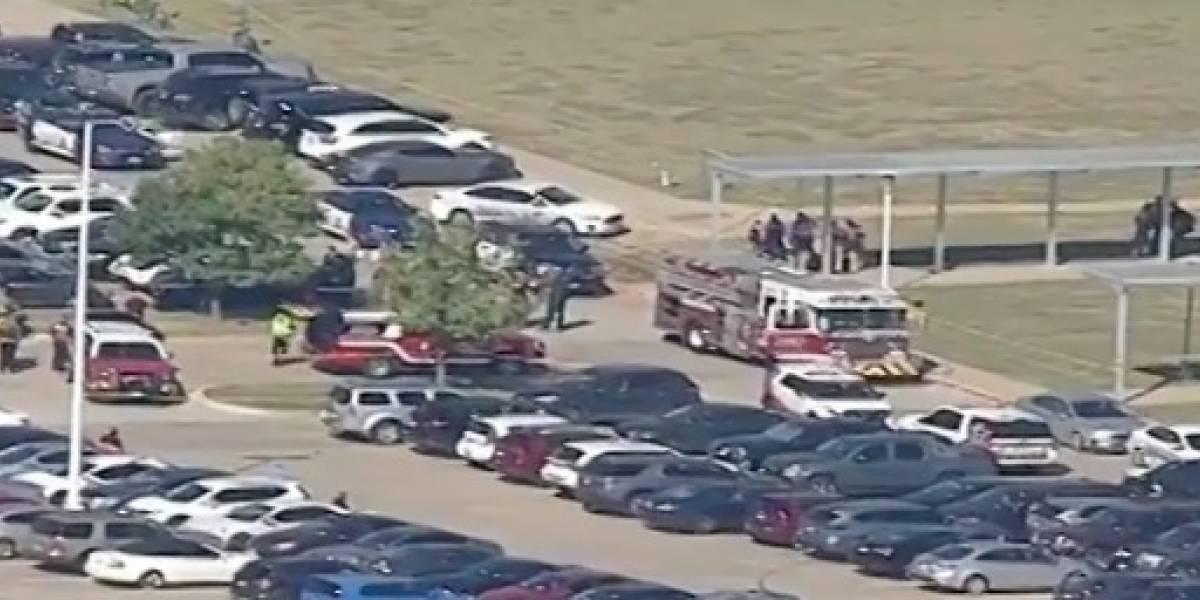 Policía en Texas atiende tiroteo en escuela secundaria