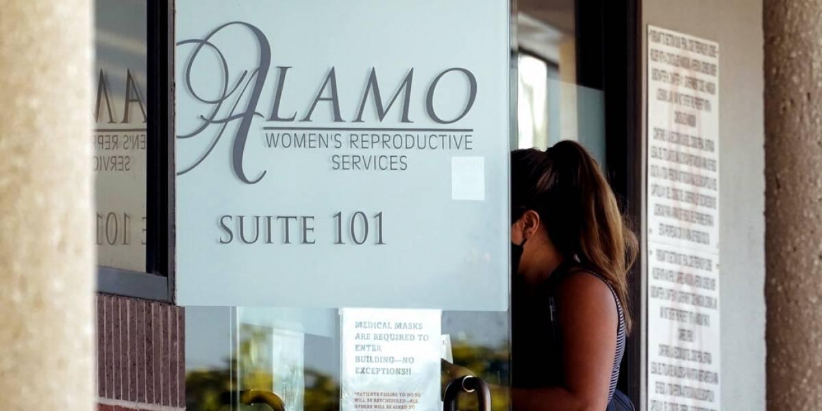 Clínicas en Texas reanudan abortos tras suspensión de ley