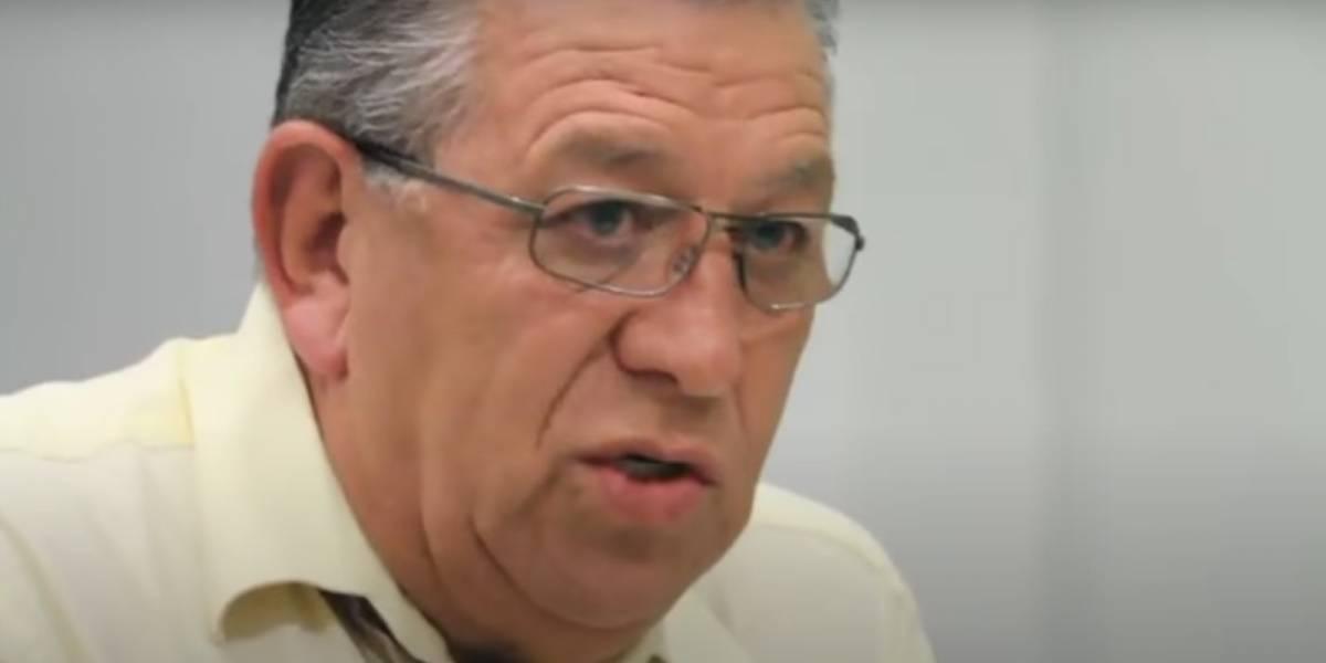 Periodista Carlos Weber sufre accidente de tránsito