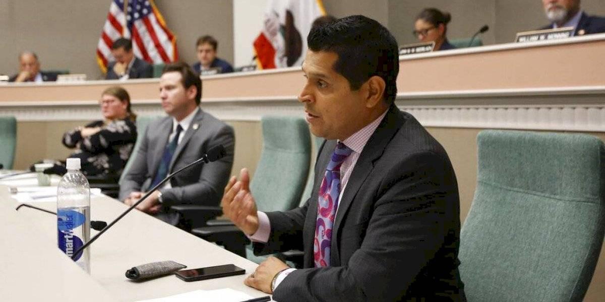 California dejará que hijos añadan a padres a seguro médico