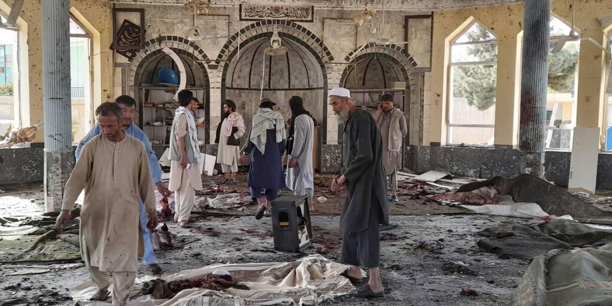 Explosión en Afganistán deja al menos 100 víctimas entre muertos y heridos