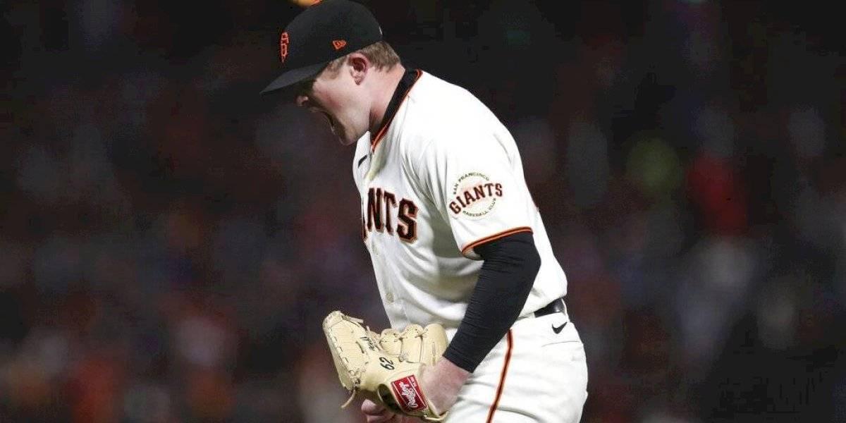 Gigantes blanquean a Dodgers en inicio de serie divisional