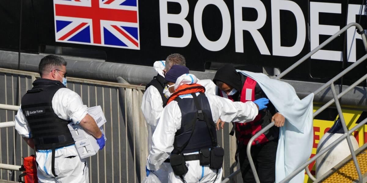 Francia pide a Reino Unido ayuda para vigilancia a migrantes