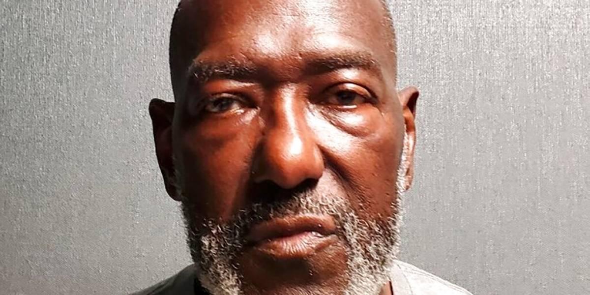 Hombre mata a 2 empleadas de comunidad de ancianos en Maryland