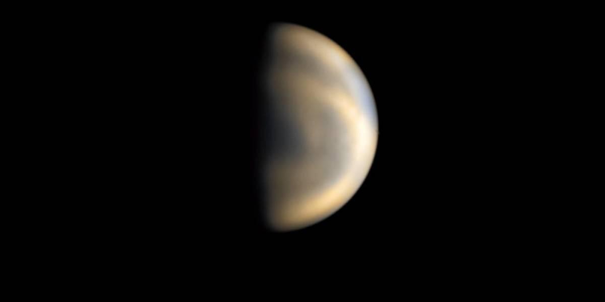 Captan espectacular imagen del planeta Venus desde la Isla