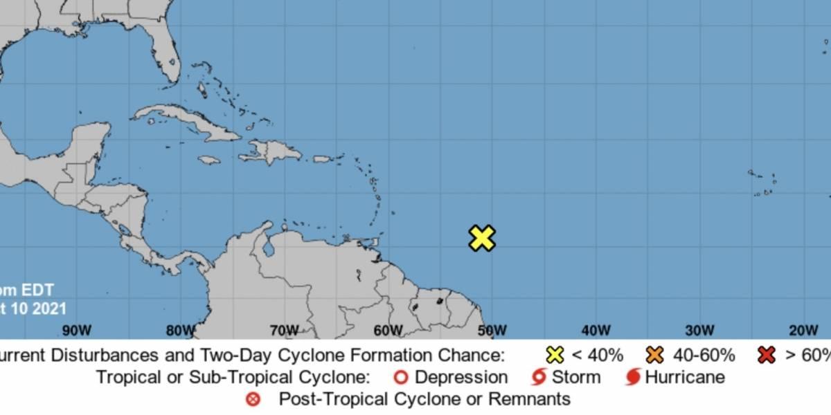 Centro Nacional de Huracanes vigila disturbio con potencial ciclónico en el Atlántico