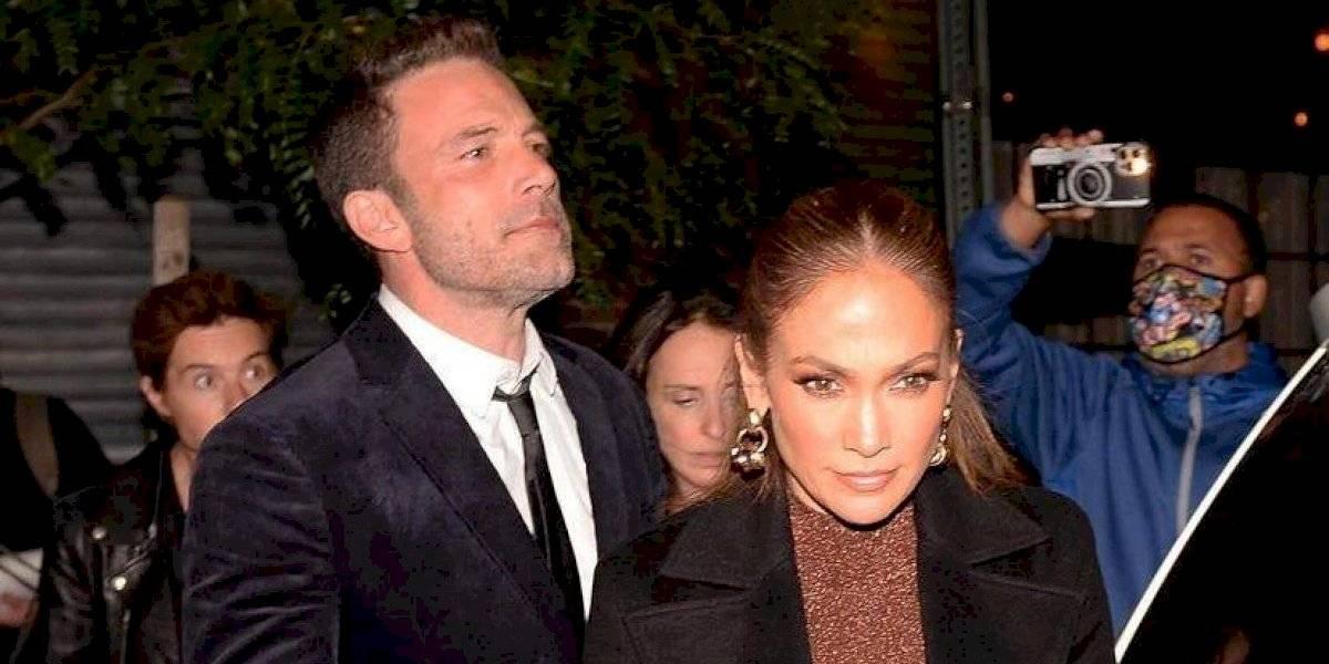 Captan a Jennifer Lopez en salida junto a Ben Affleck