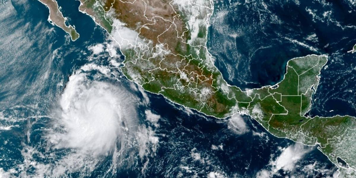Se fortalece el huracán Pamela en el Pacífico mexicano