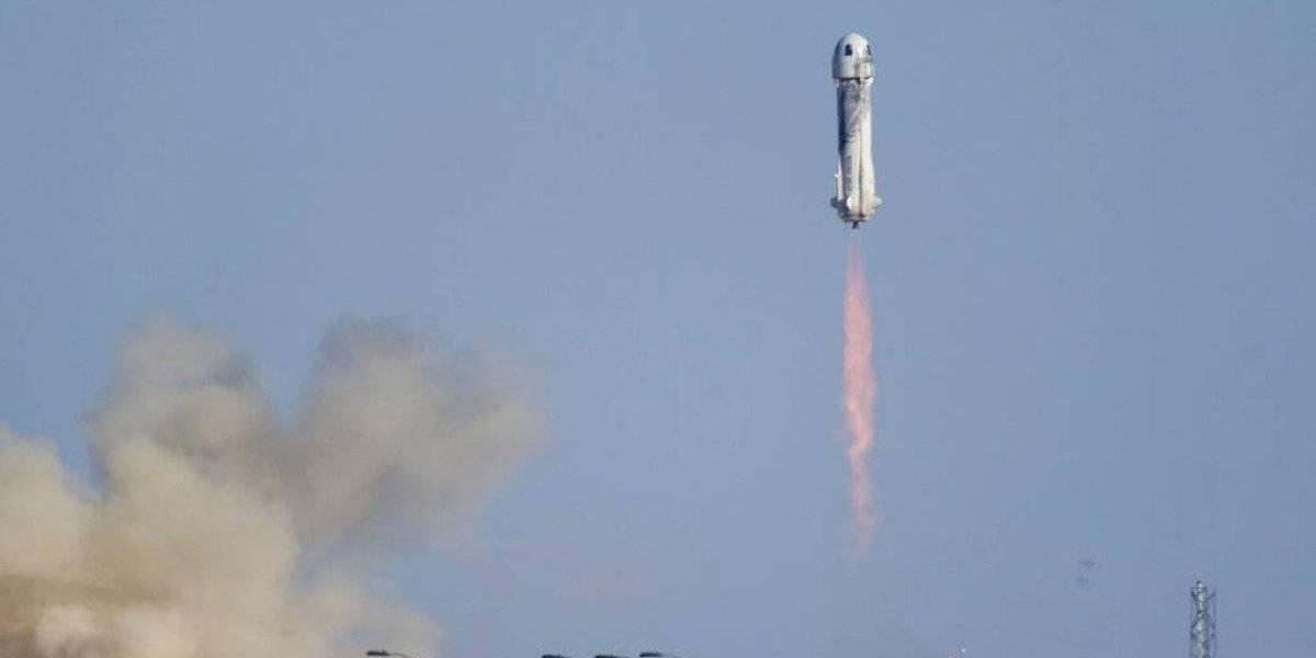 """Astro de """"Star Trek"""" William Shatner llega al espacio a sus 90 años"""