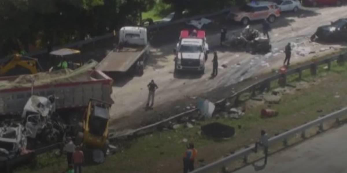 Cargos contra conductor de camión que provocó accidente con 12 vehículos en la PR-52