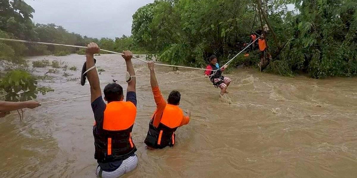 Suben a 19 los muertos por tormenta tropical en Filipinas